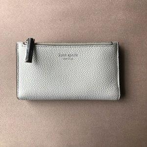 Kate spade- Sylvia small slim bifold wallet
